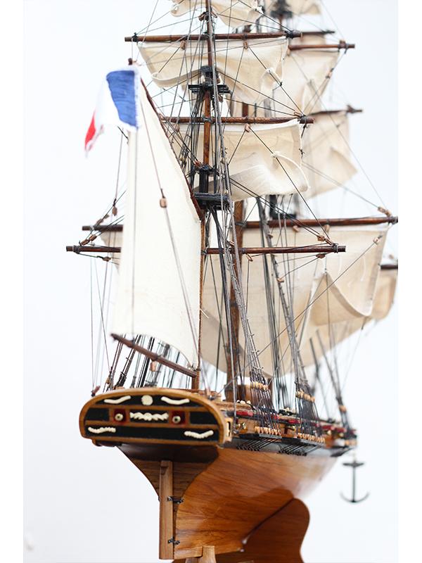 2547-14480-La-Confiance-Historical-Ship-Model-Superior-Range
