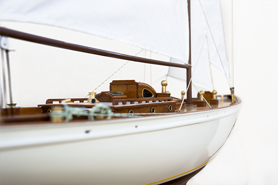 Manitou Wooden Model Yacht (Superior Range) - HM