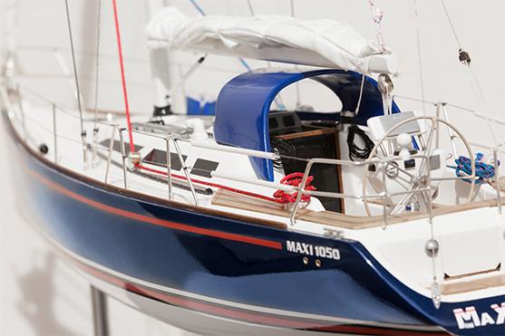 2553-14512-Maxi1050-Model-Boat-Superior-Range