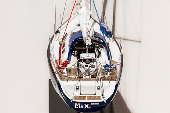 2553-14515-Maxi1050-Model-Boat-Superior-Range