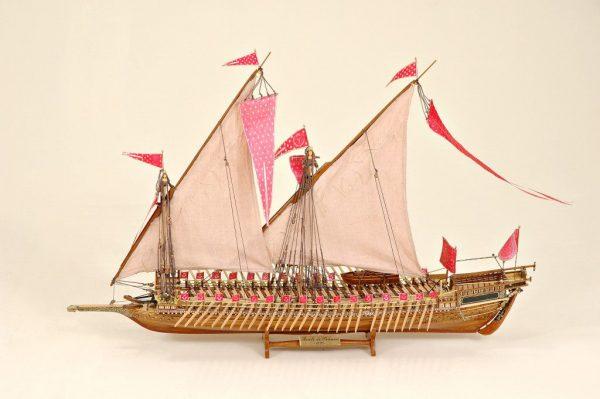 Reale de France Historical Ship Model (Superior Range) - HM