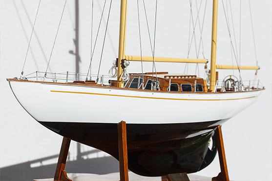 2562-14569-White-Dolphin-YCF-Bastia-Model-Yacht-Superior-Range