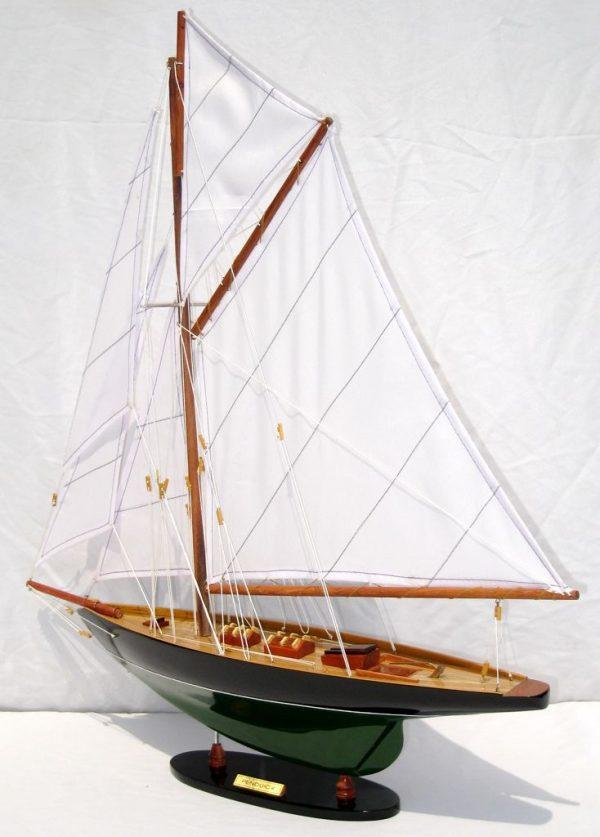 2563-14576-Pen-Duick-Model-Ship