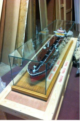 3115-Ready-made-display-case-with-toughened-glass-wooden-base-GX