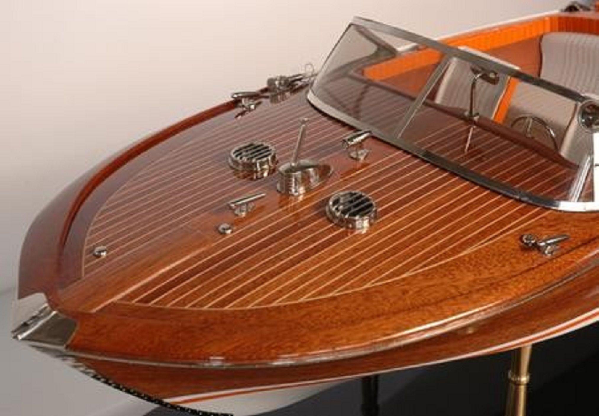 328-7575-Riva-Aquarama-Special-Model-Boat-Premier-Range