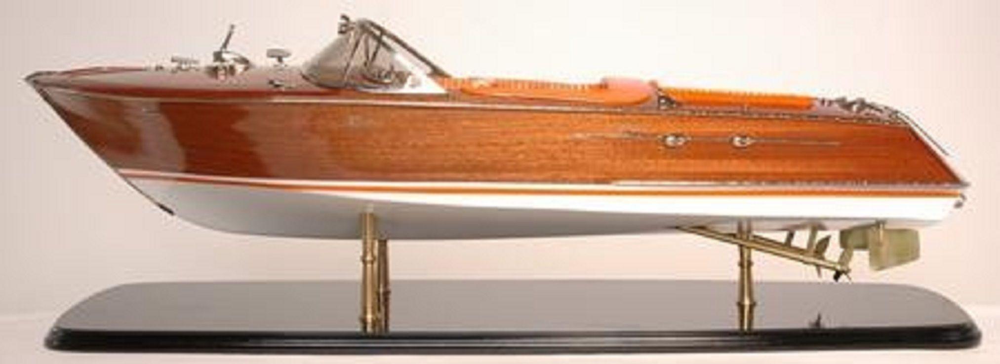 328-7576-Riva-Aquarama-Special-Model-Boat-Premier-Range