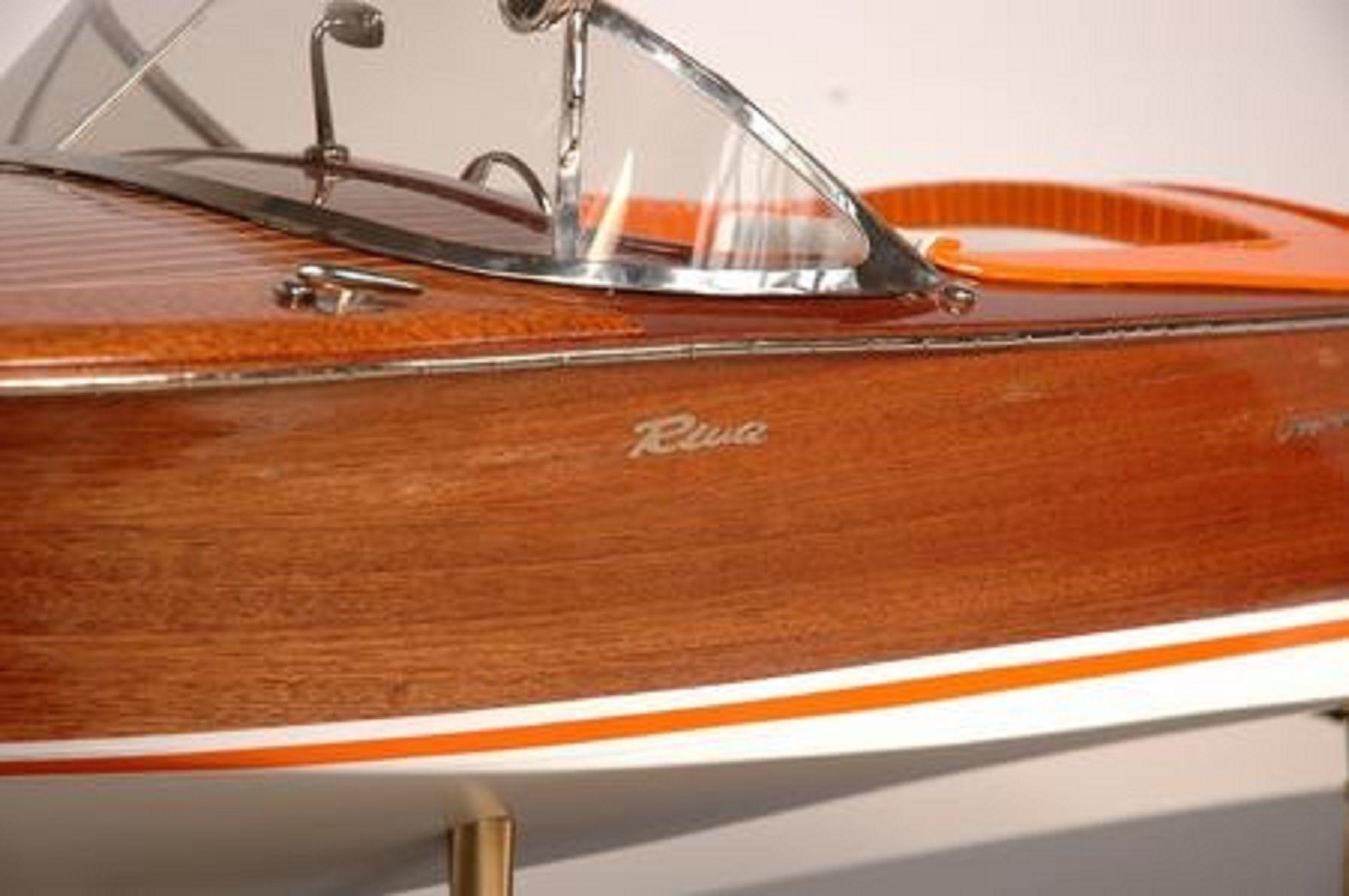 328-7577-Riva-Aquarama-Special-Model-Boat-Premier-Range