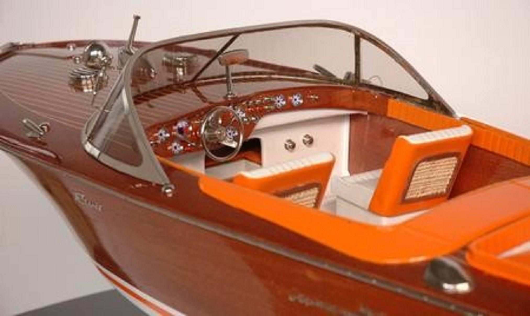 328-7579-Riva-Aquarama-Special-Model-Boat-Premier-Range