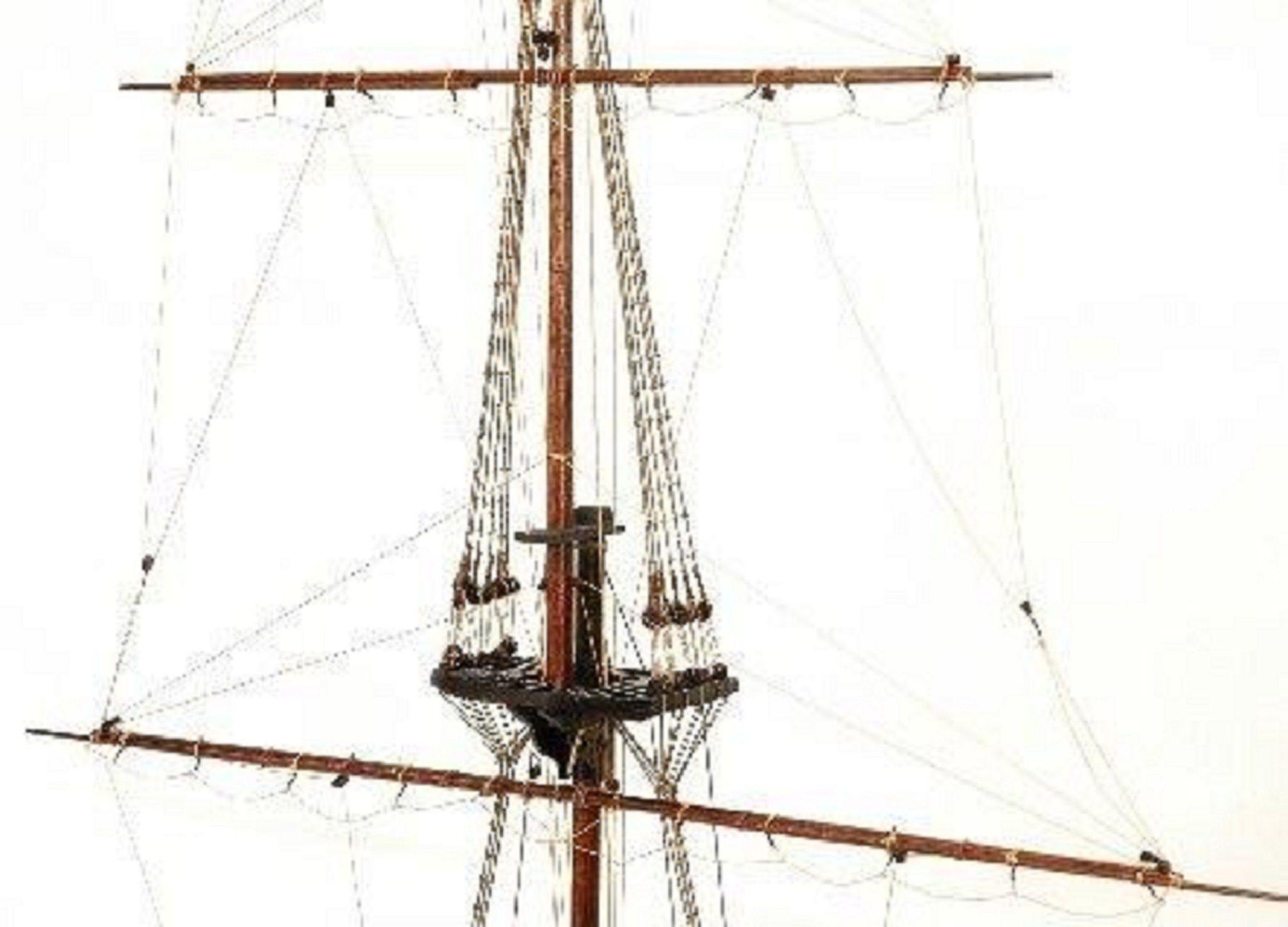 330-7451-HMS-Victory-Cross-Section-Model-Ship-Premier-Range