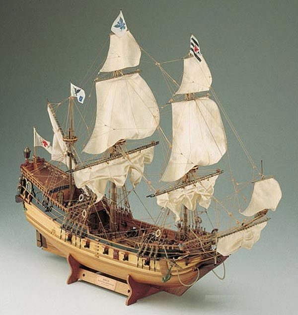 405-8003-Berlin-Ship-Model-Kit