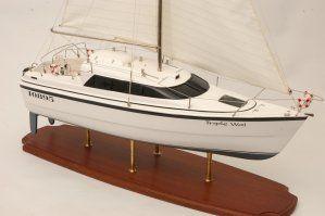 554-5987-Triple-Wai-model-yacht