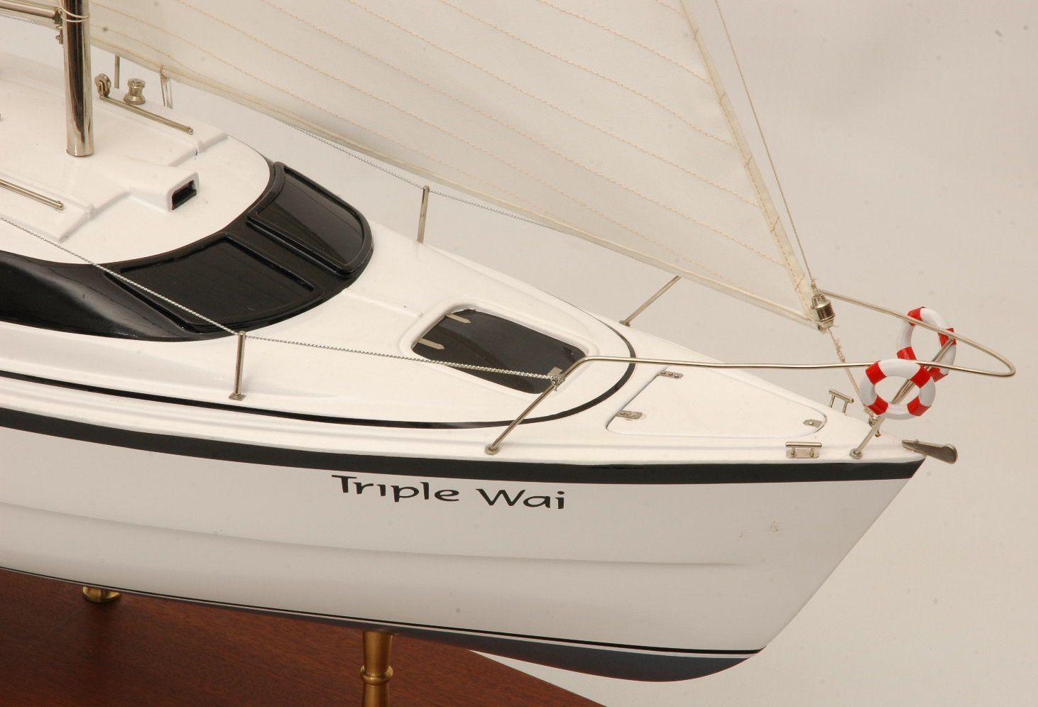 554-5988-Triple-Wai-model-yacht