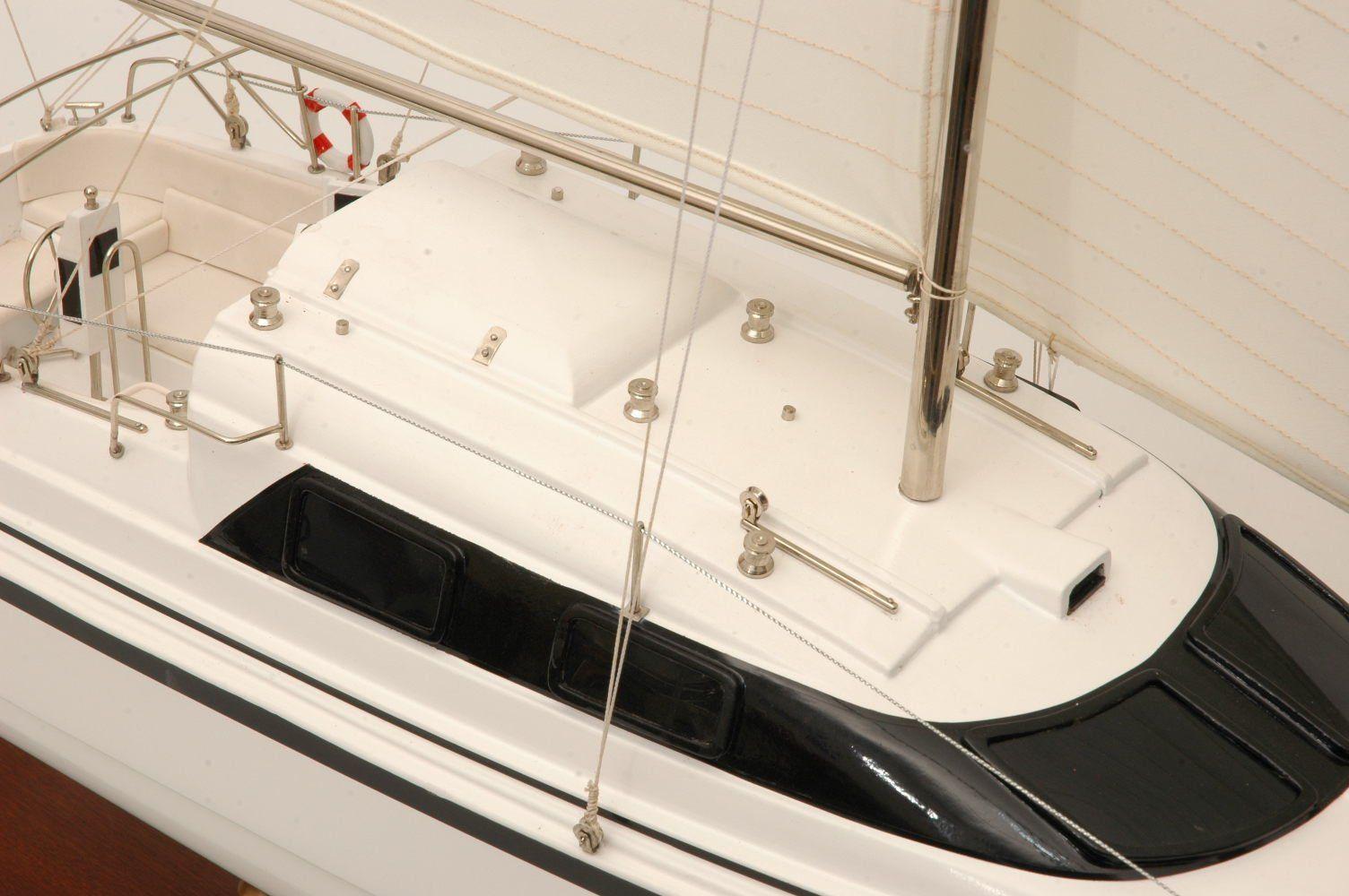 554-5991-Triple-Wai-model-yacht