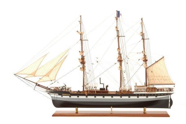 573-7224-Dunedin-Model-Ship-Premier-Range