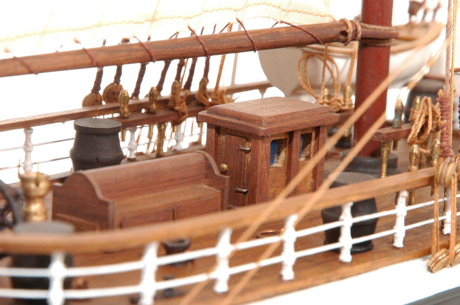 573-7232-Dunedin-Model-Ship-Premier-Range