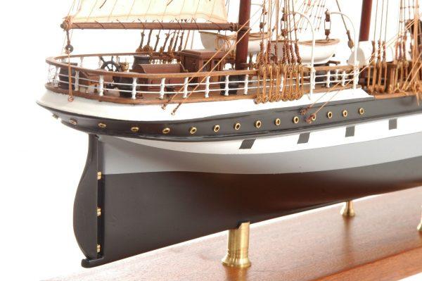 573-7233-Dunedin-Model-Ship-Premier-Range