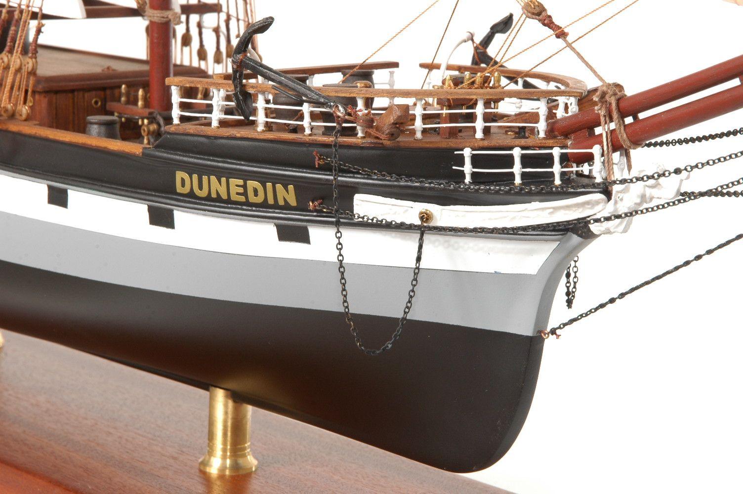 573-7234-Dunedin-Model-Ship-Premier-Range