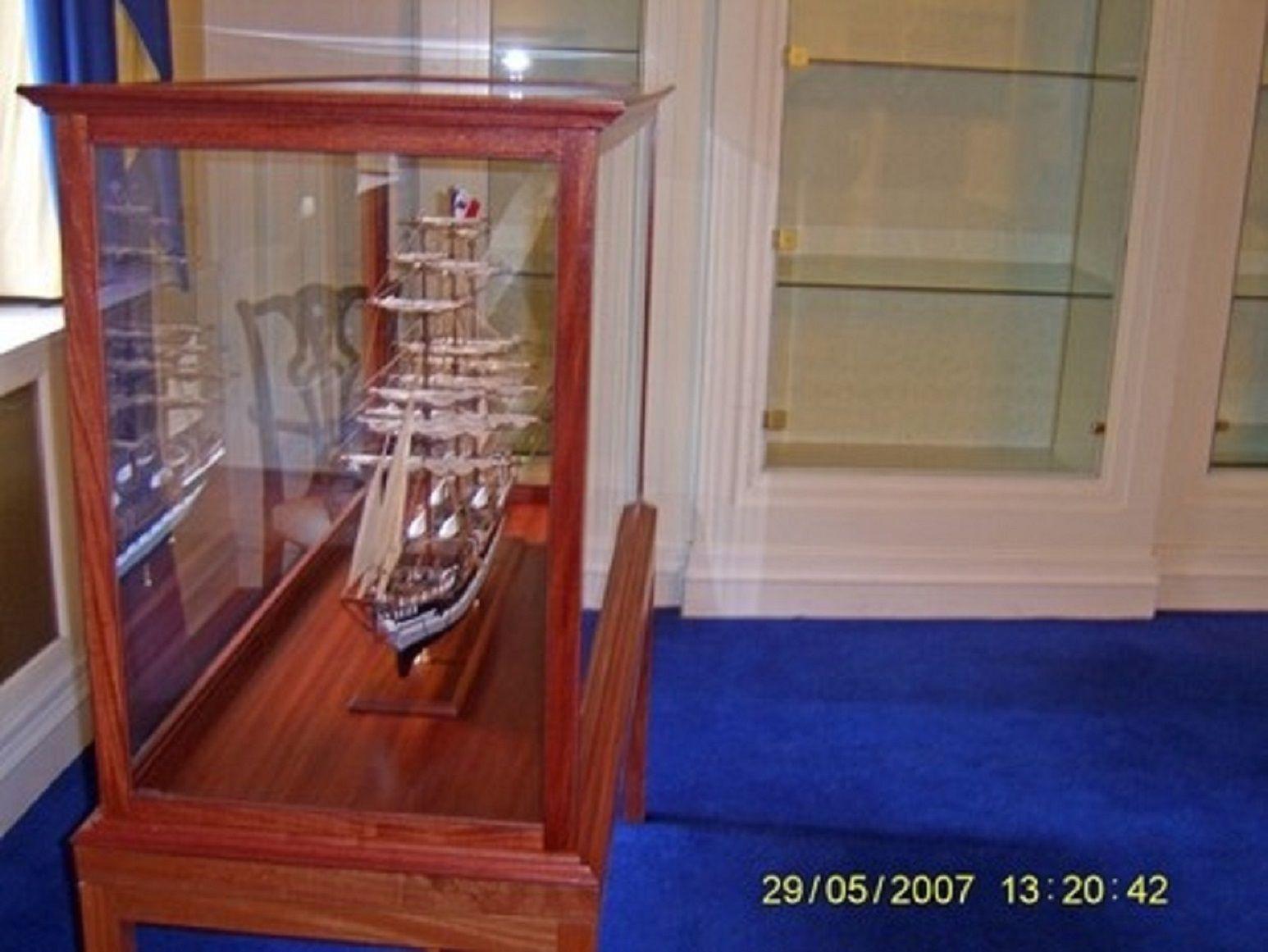 573-7237-Dunedin-Model-Ship-Premier-Range
