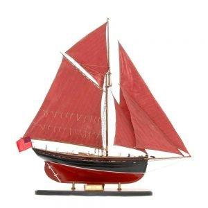 654-6197-Jolie-Brise-Model-Yacht-Premier-Range