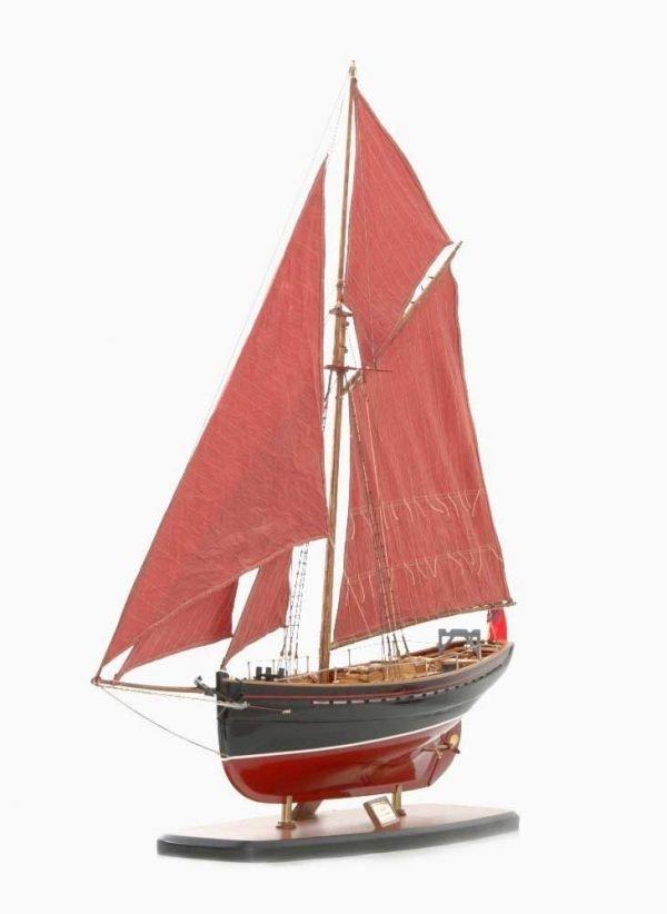 654-6198-Jolie-Brise-Model-Yacht-Premier-Range