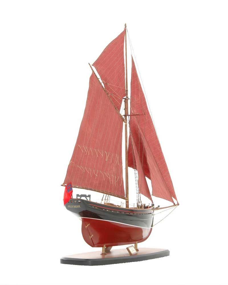 654-6199-Jolie-Brise-Model-Yacht-Premier-Range