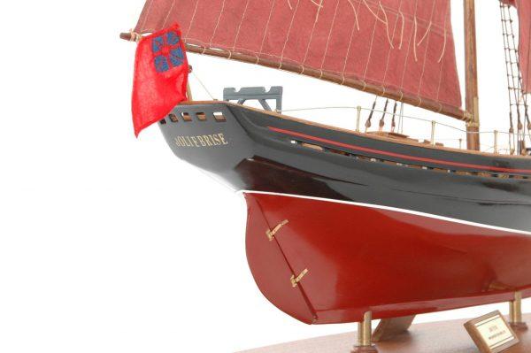 654-6200-Jolie-Brise-Model-Yacht-Premier-Range