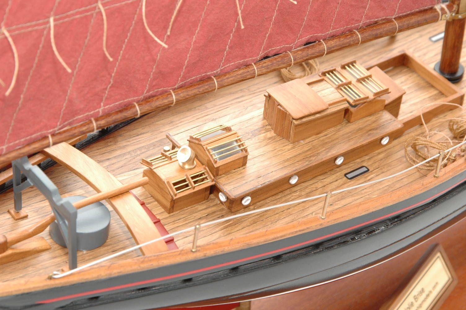 654-6201-Jolie-Brise-Model-Yacht-Premier-Range
