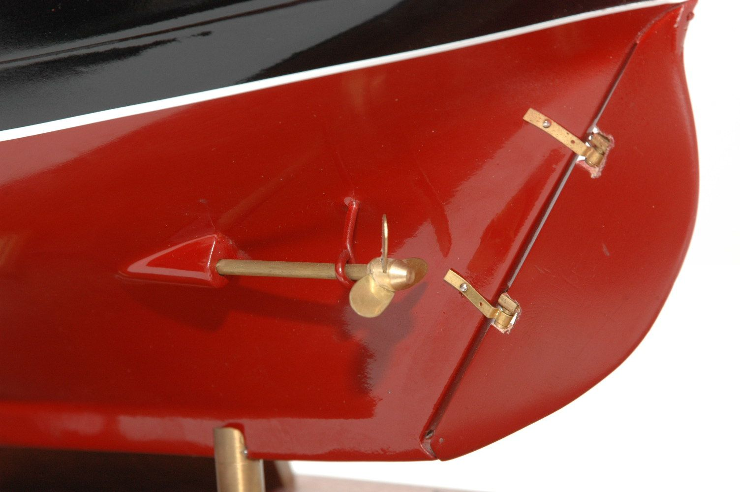 654-6208-Jolie-Brise-Model-Yacht-Premier-Range