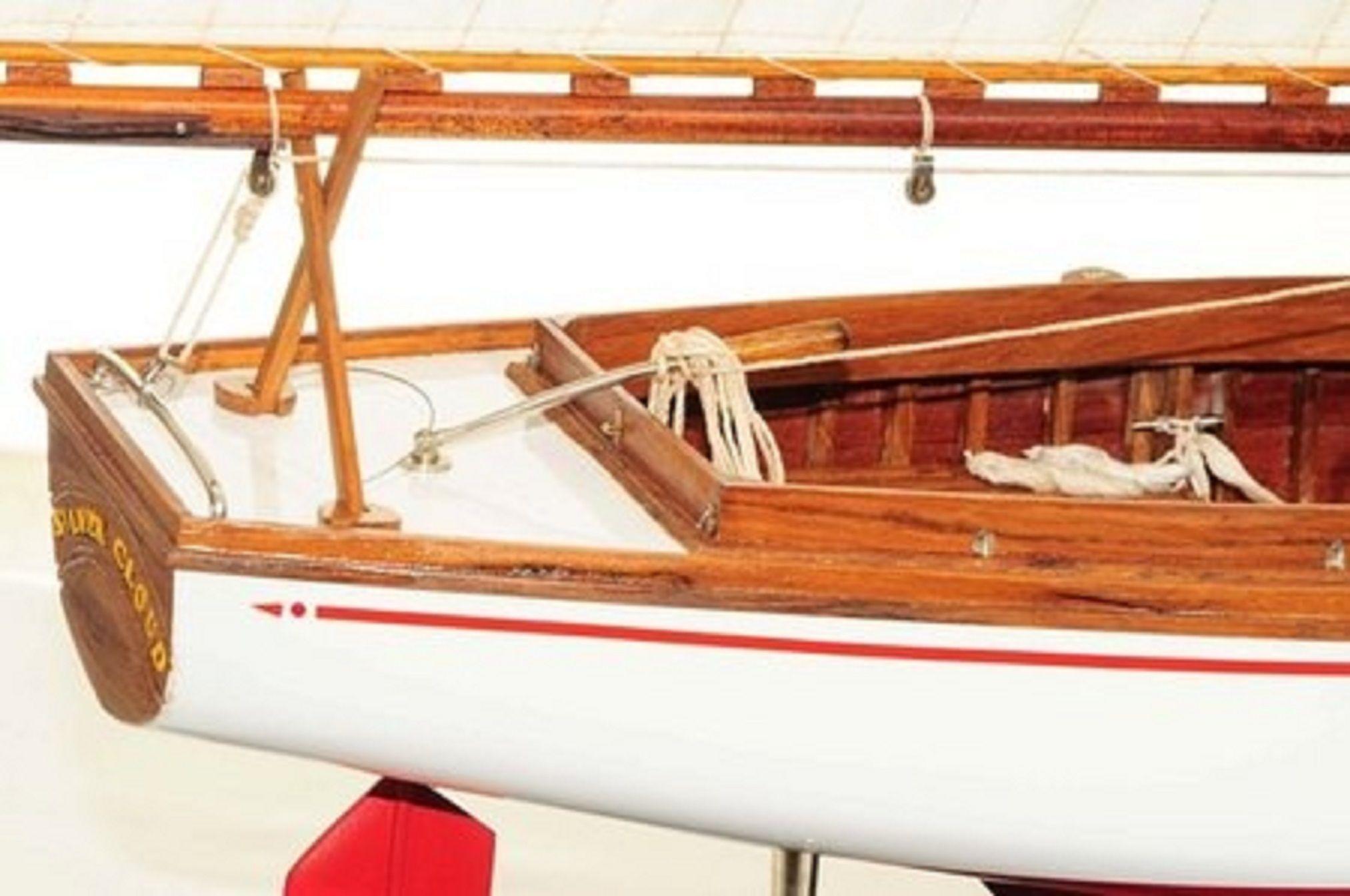665-7626-Silver-Cloud-Model-Yacht-Premier-Range