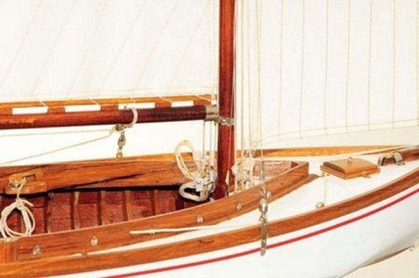 665-7632-Silver-Cloud-Model-Yacht-Premier-Range