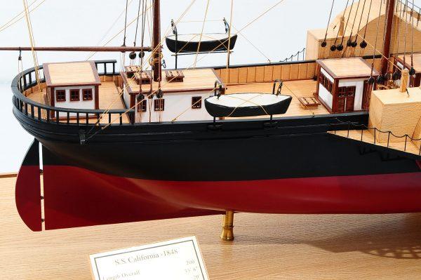 668-8646-California-Model-Ship-Premier-Range