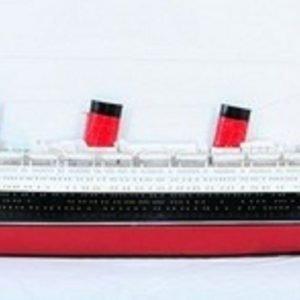 670-7586-RMS-Queen-Mary-Half-Model-Premier-Range