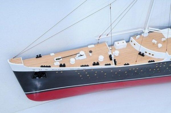 670-7589-RMS-Queen-Mary-Half-Model-Premier-Range
