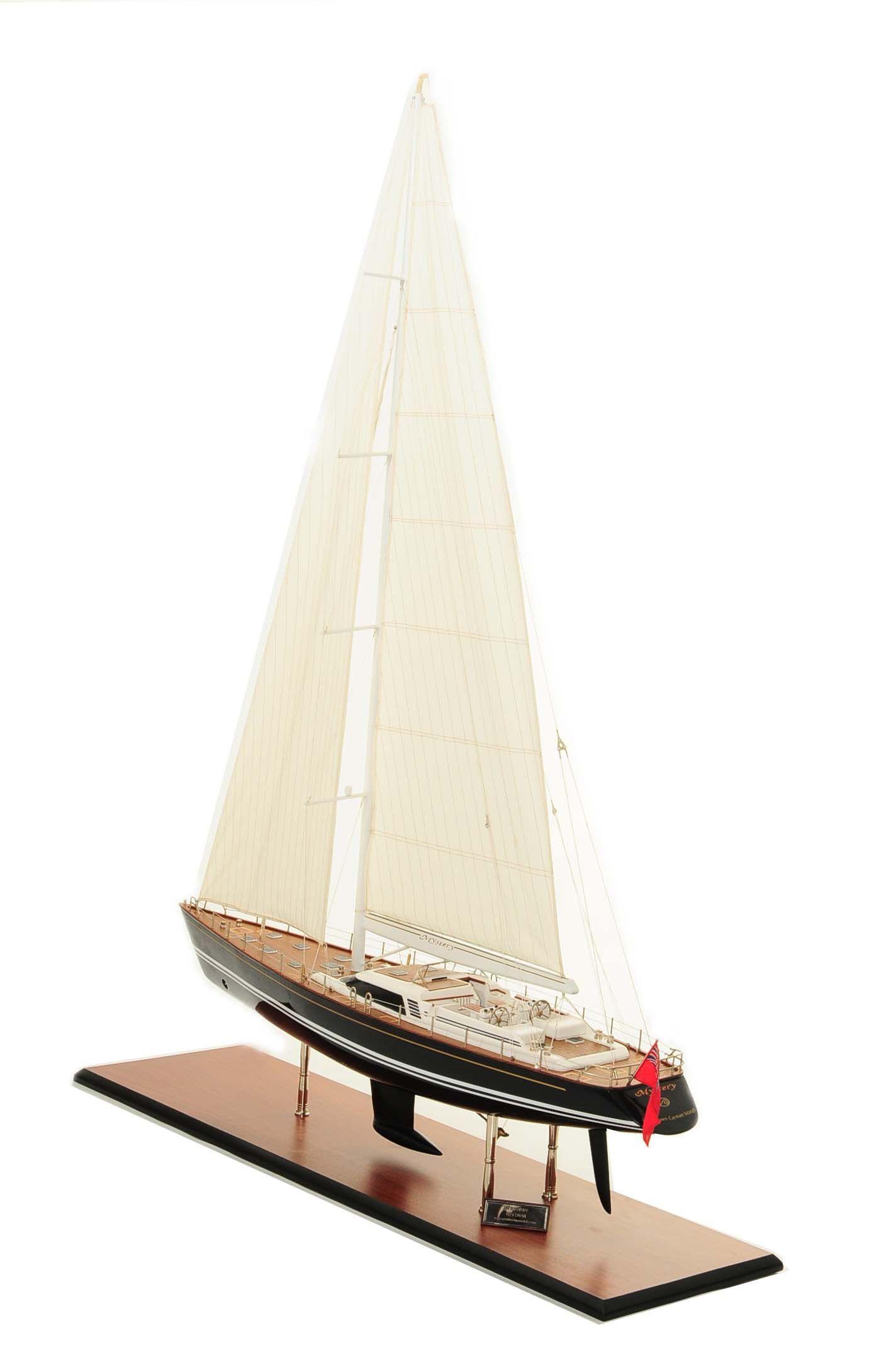 709-6072-Mystery-Model-Yacht
