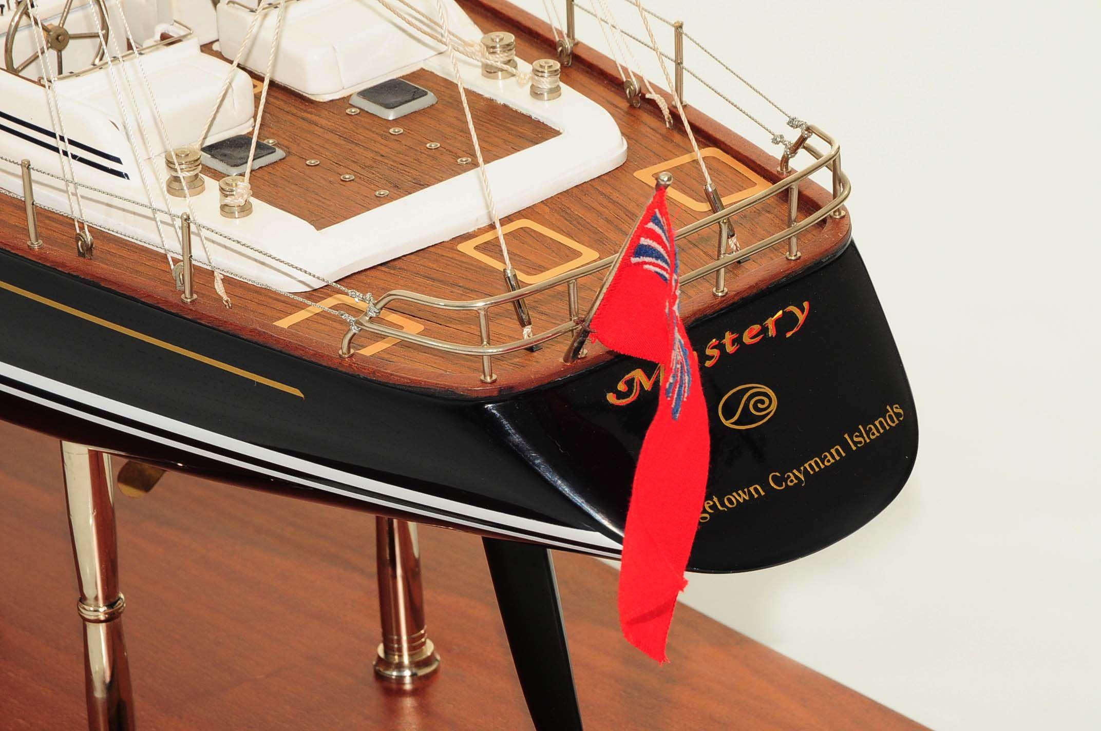 709-6073-Mystery-Model-Yacht