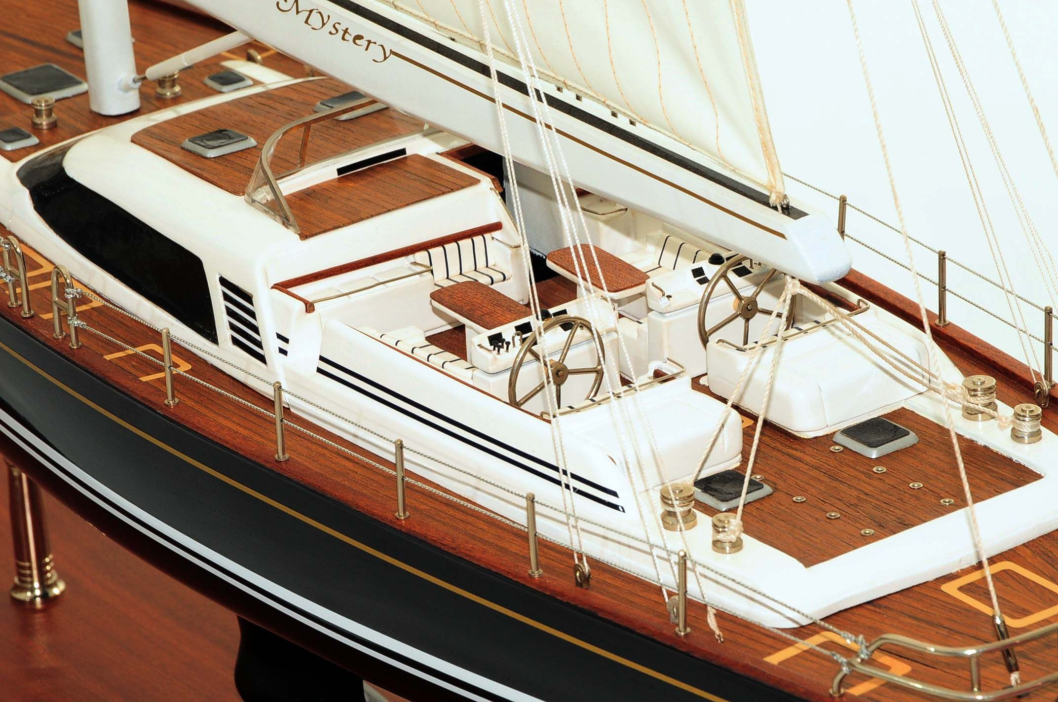 709-6074-Mystery-Model-Yacht