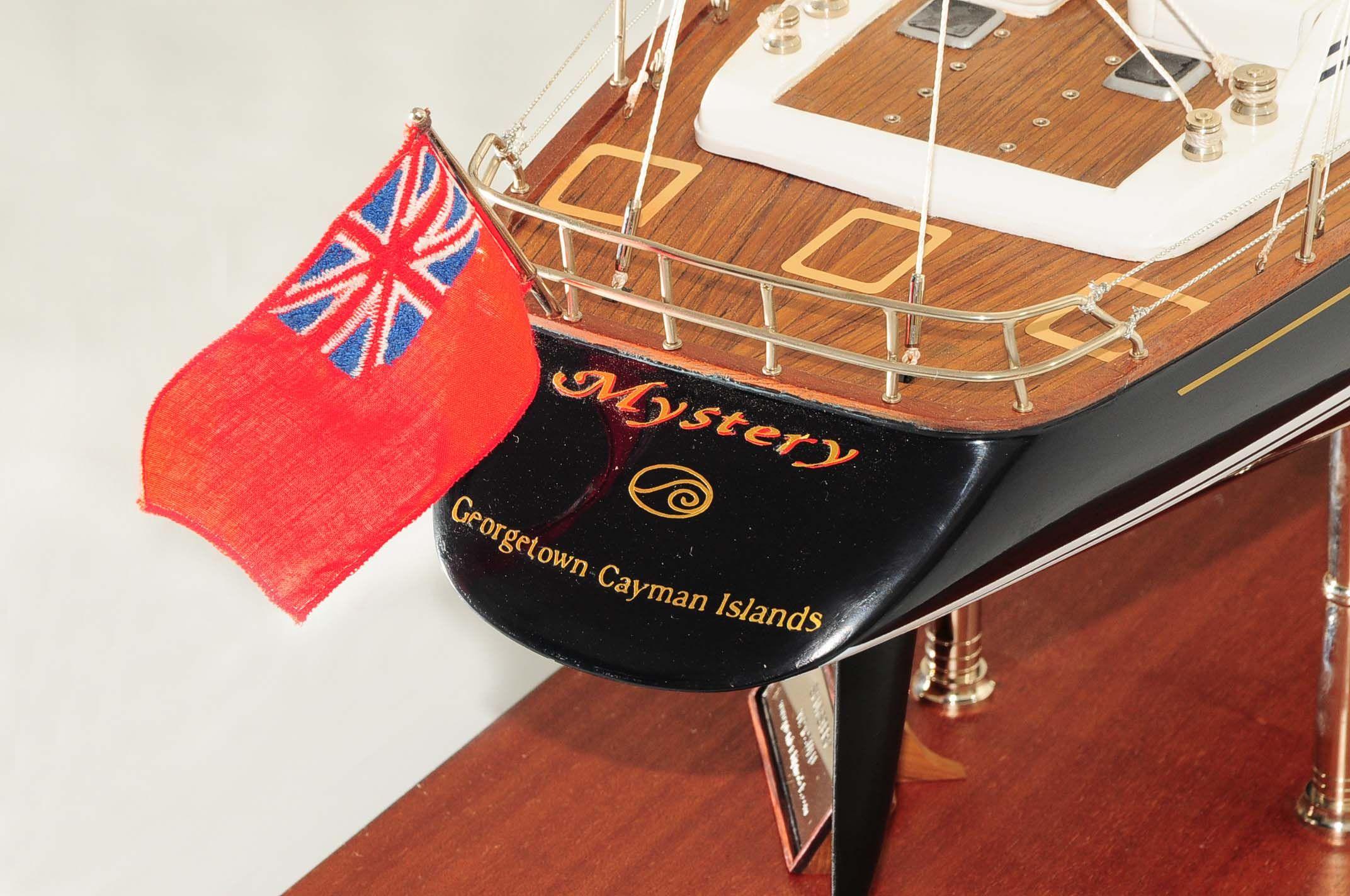 709-6076-Mystery-Model-Yacht