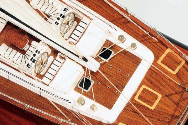 709-6081-Mystery-Model-Yacht