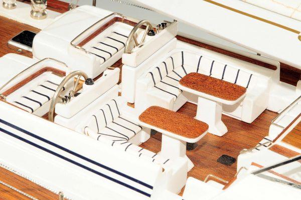 709-6082-Mystery-Model-Yacht