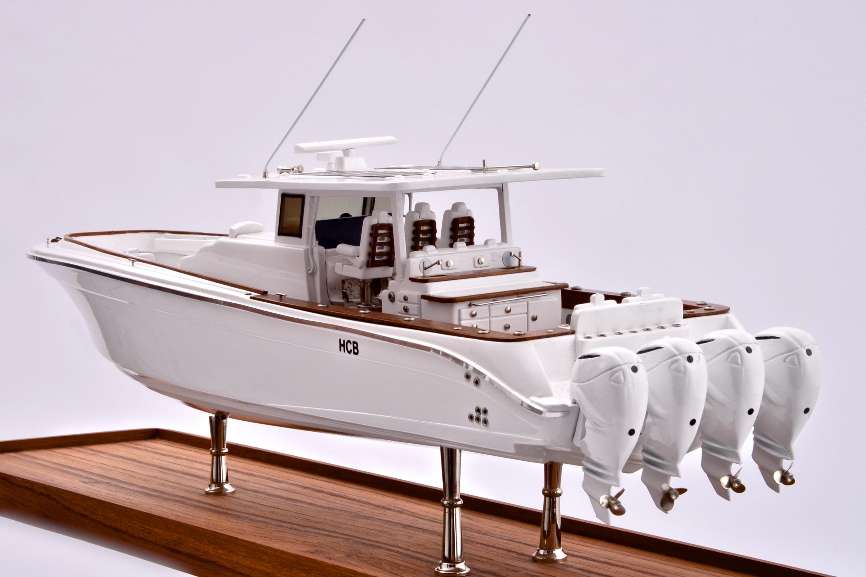 Suenos Model Yacht (White)