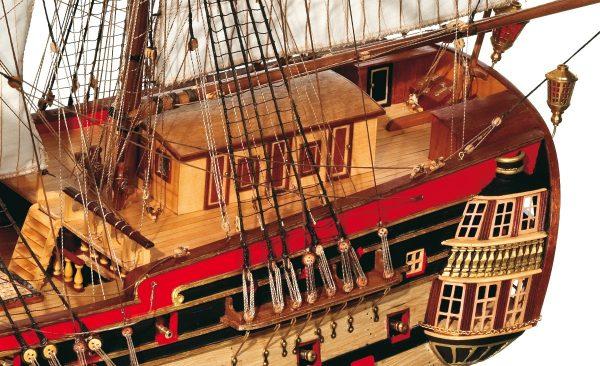 Montanes Model Boat Kit - Occre (15000)