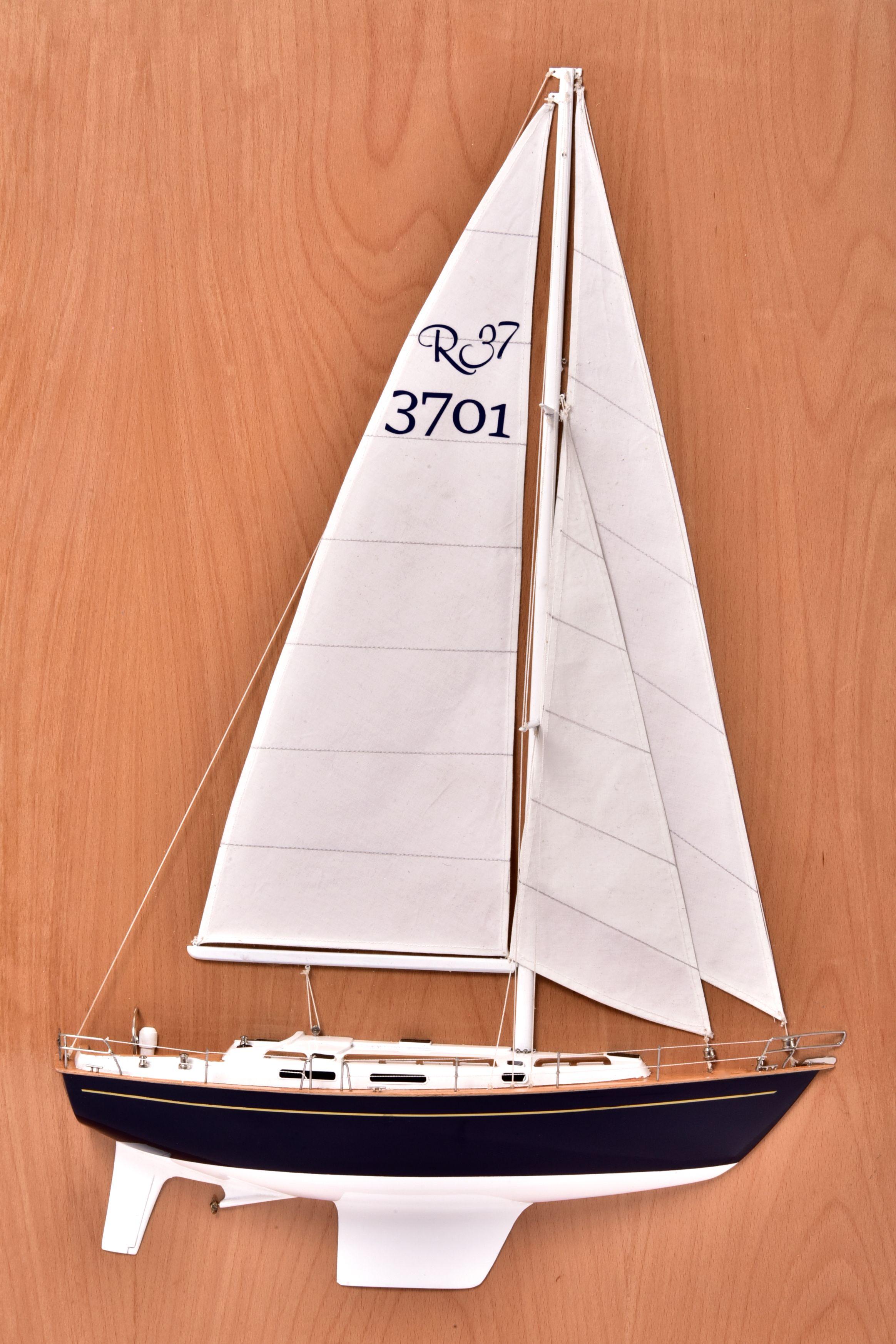 Half Model of Rustler 37