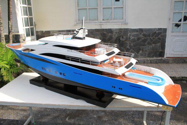 TC65 Motor Yacht Model - GN (CM0872P)